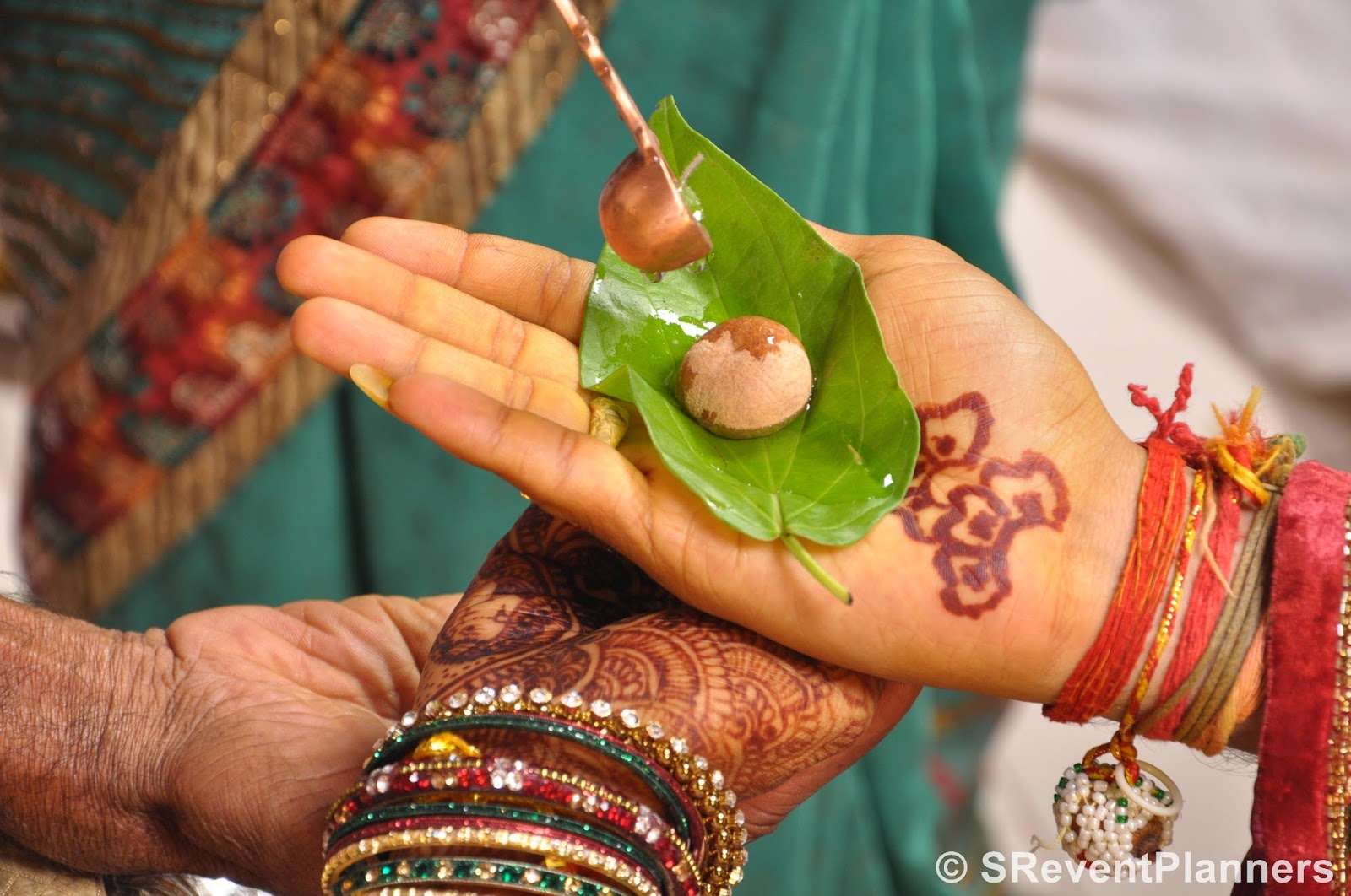 DSC 0443 - 7 Vachan : 7 Promises in traditional Indian wedding
